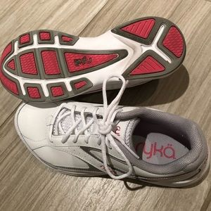 Ryka Sport Walker 6 running shoes - size 8